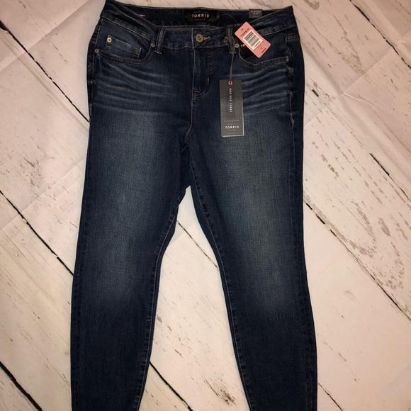 0696ba1c79f Torrid 10 12 premium skinny jeans new